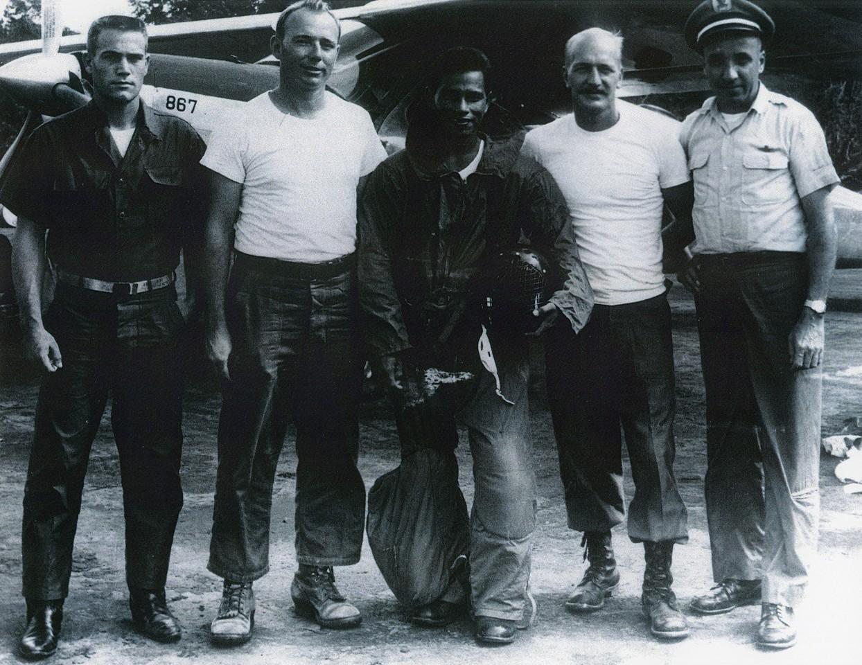 Pitsanoulk Camp Northern Thailand 1964 Thai PARU (Police Aerial Reinforcement Unit) training. 1964.