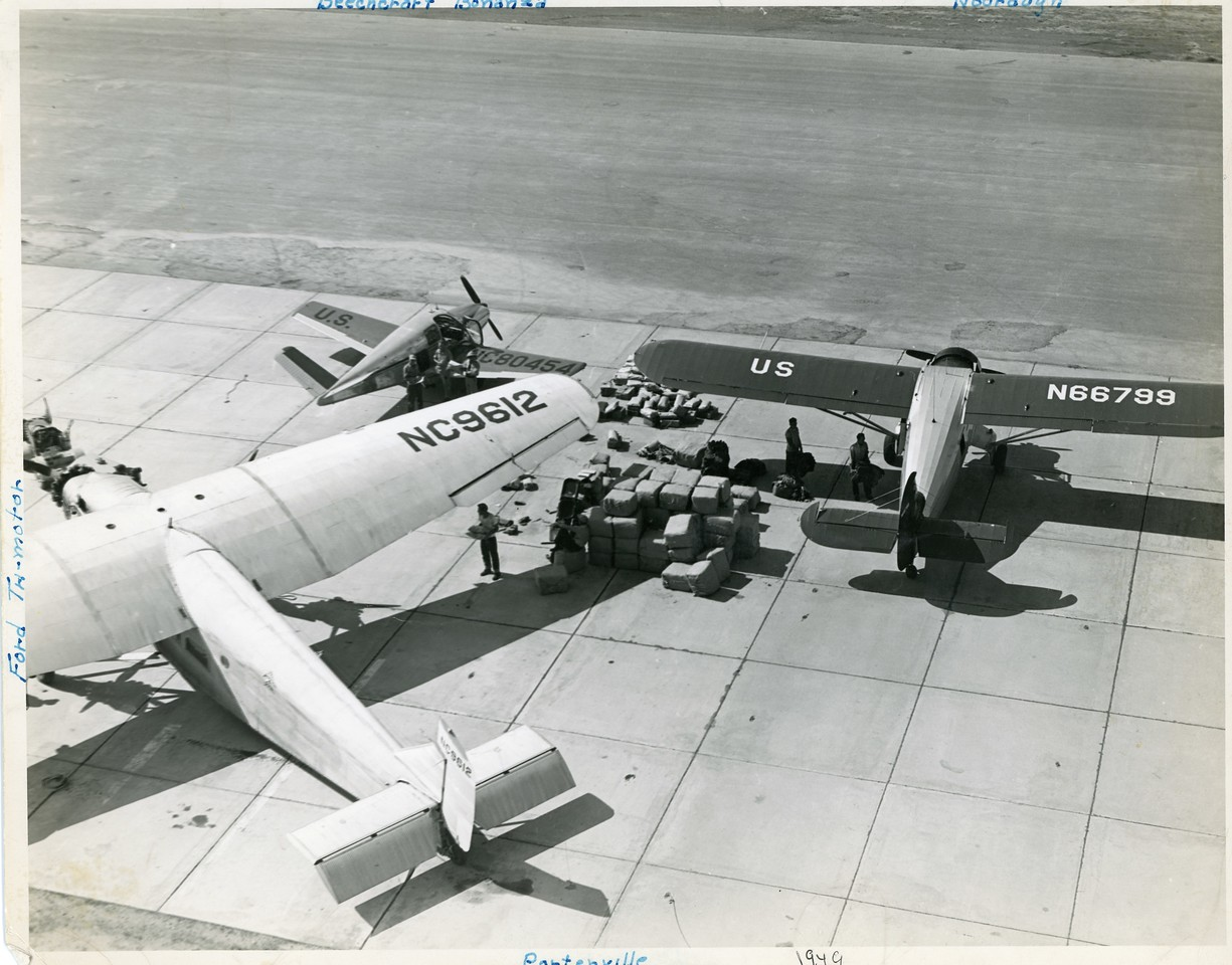 Aircraft used for 1949 jump in the Sequoia NF (presumably the Osa Fire)