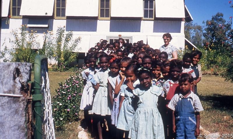 1956 School children go to visit hospital, teacher Dawn Metcalf