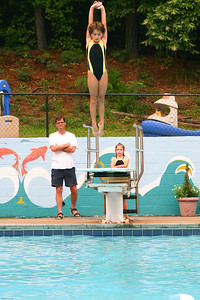 Sharks-Redfield-Dive-12