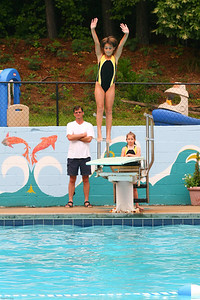 Sharks-Redfield-Dive-8