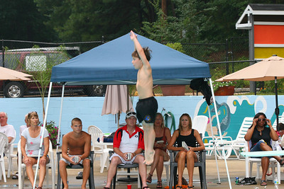 Sharks-Redfield-Dive-31