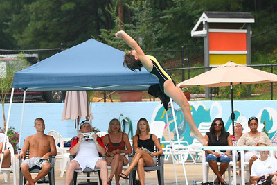 Sharks-Redfield-Dive-25