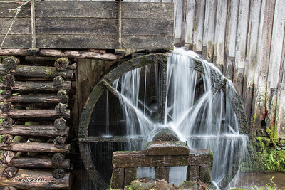 4-22-17.  At this workshop, I worked on shutter  speed on moving water.  This is a slower speed creating silky water.  Cable Mill.