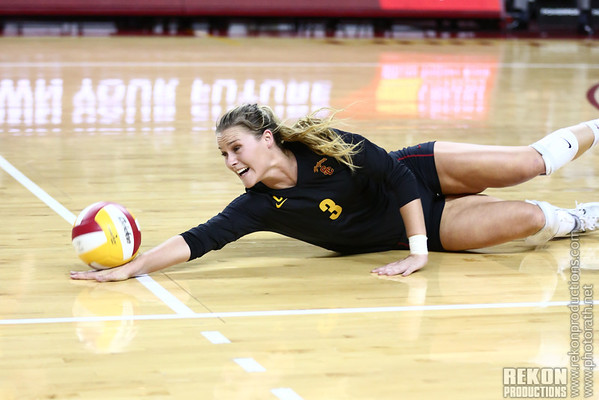11/10/13<br /> USC sweeps Oregon and Oregon St in 3 sets a piece.  This will definitely be my favorite photo of the season.  Not too often you get a perfect pancake photo!