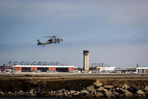 US Navy Seahawk on landing approach