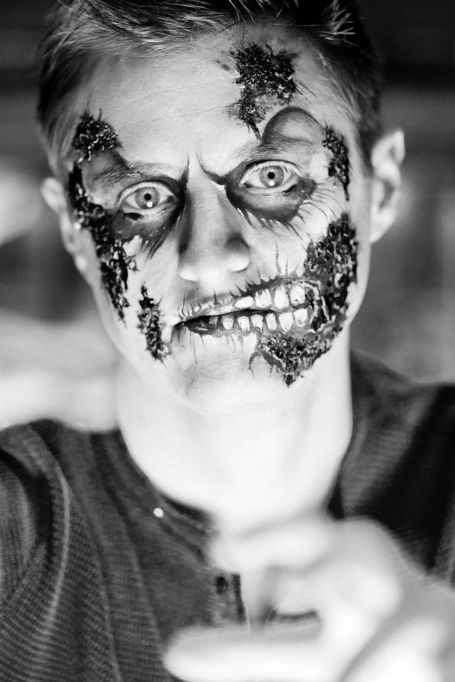 """Keenan as """"The Walking Dead"""""""