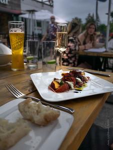 Peach, Bocconcini and Prosciutto Salad Ꙭ