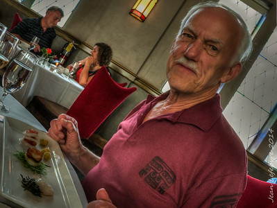 Verses_Restaurant_(15_of_50)_140627_HDR