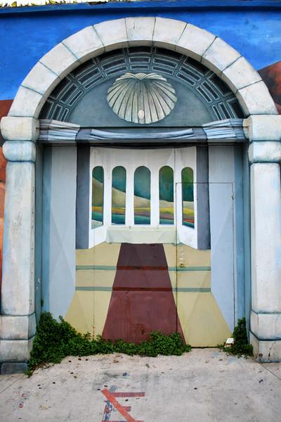 2015 vina mural greek columns with hidden door