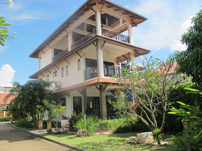 Exterior of the 4 bedroom Luxury Andaman Sea View Villa