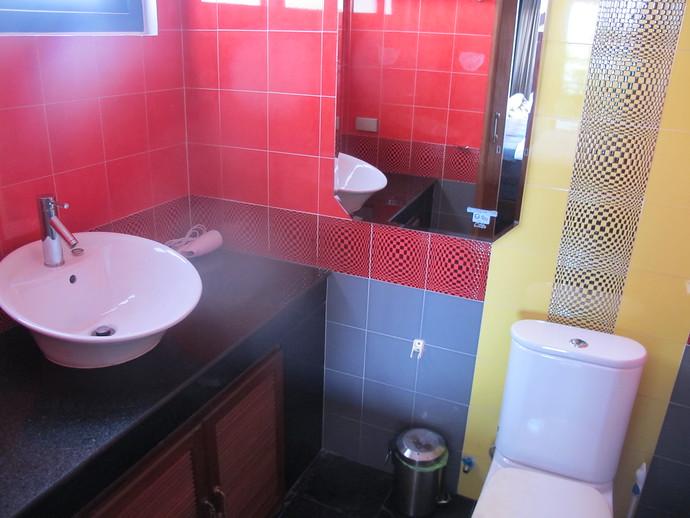 en suite bathroom from the master bedroom