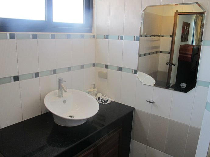 Ensuite bathroom from the second double bedroom Andaman Sea View villa