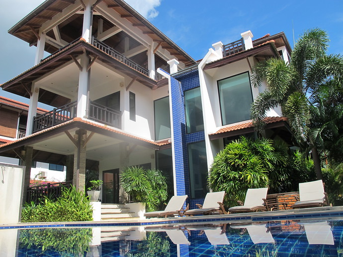 Swimming pool and exterior of the Andaman Sea View Villa