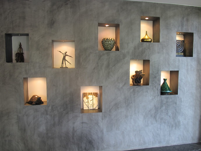 The Villa is full of Buddha statues and nice art