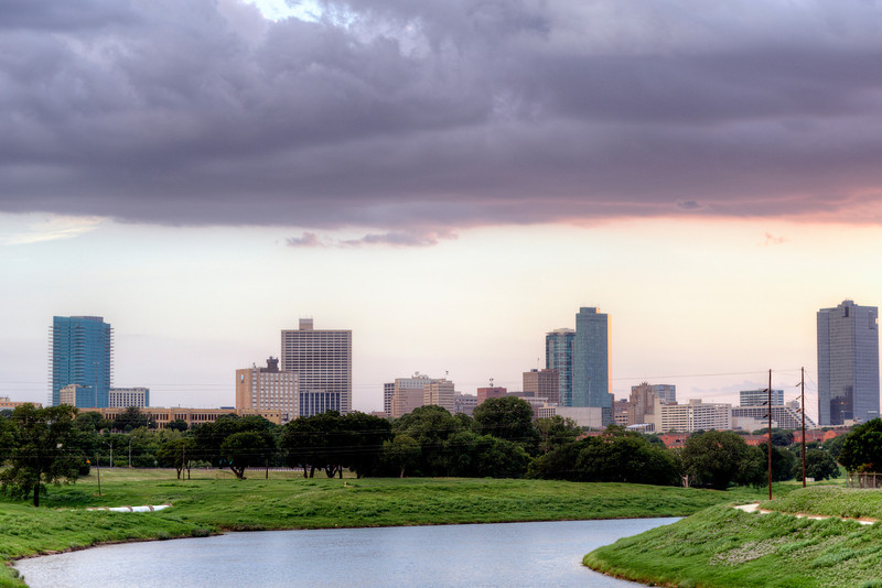 Storm closing in on Fort Worth