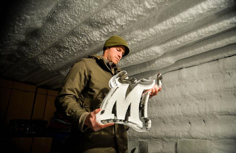blg 01 ice carving loeffler