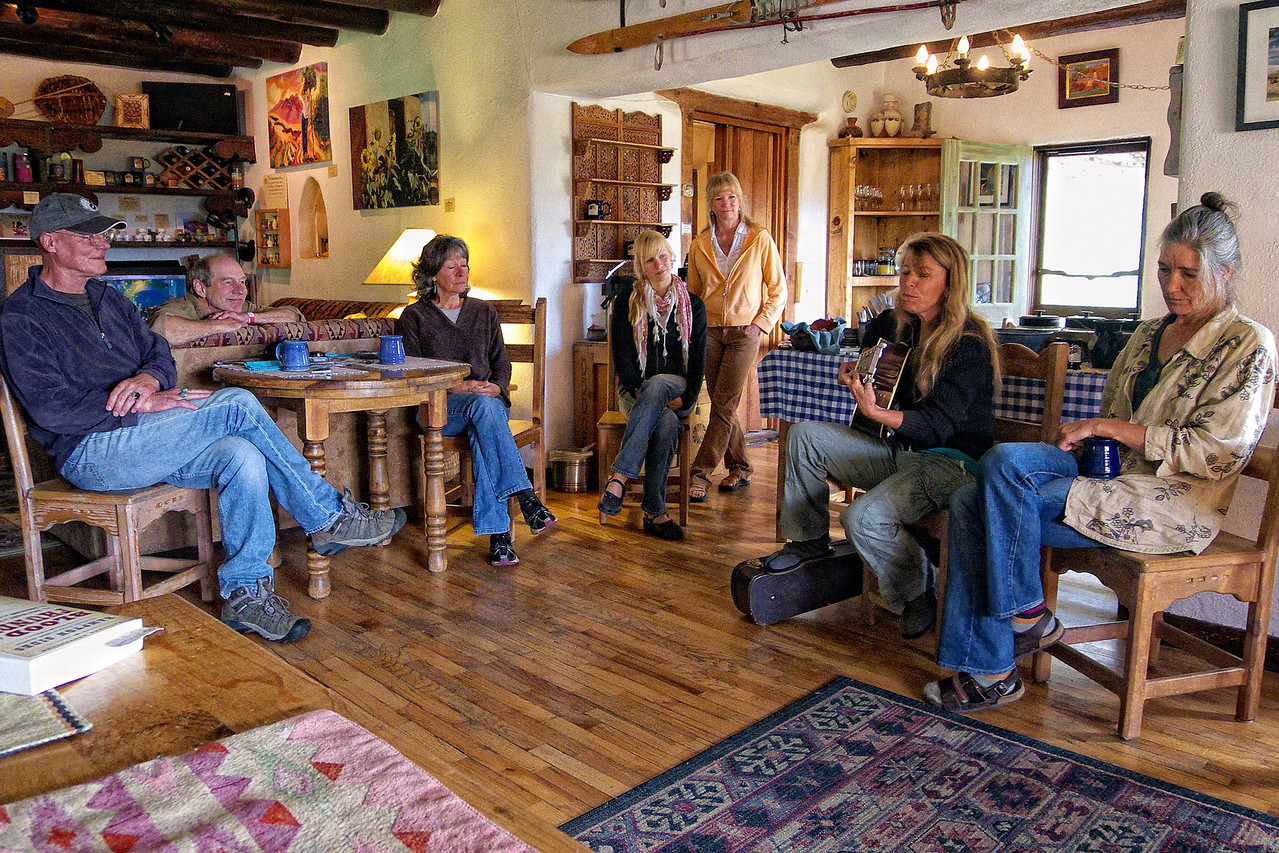 Chuck Pyle and Jenny Bird songswap after breakfast at the Old Taos Guesthouse