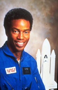 ASTRONAUT GUION BLUFORD