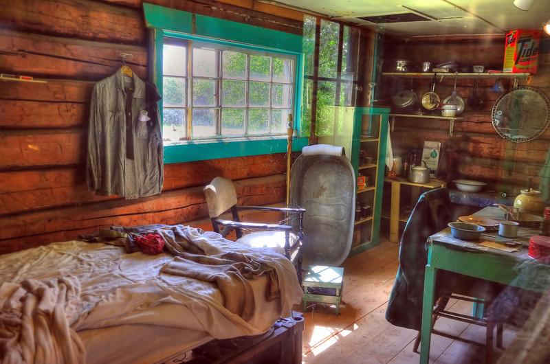 Settler's cabin, Talkeetna