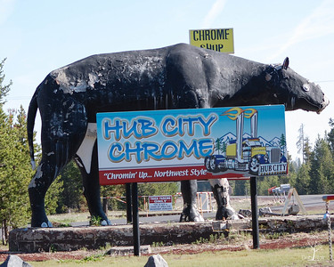One of the Ugliest signs I've ever seen Hub City Chrome U.S. 97, Chiloquin, OR