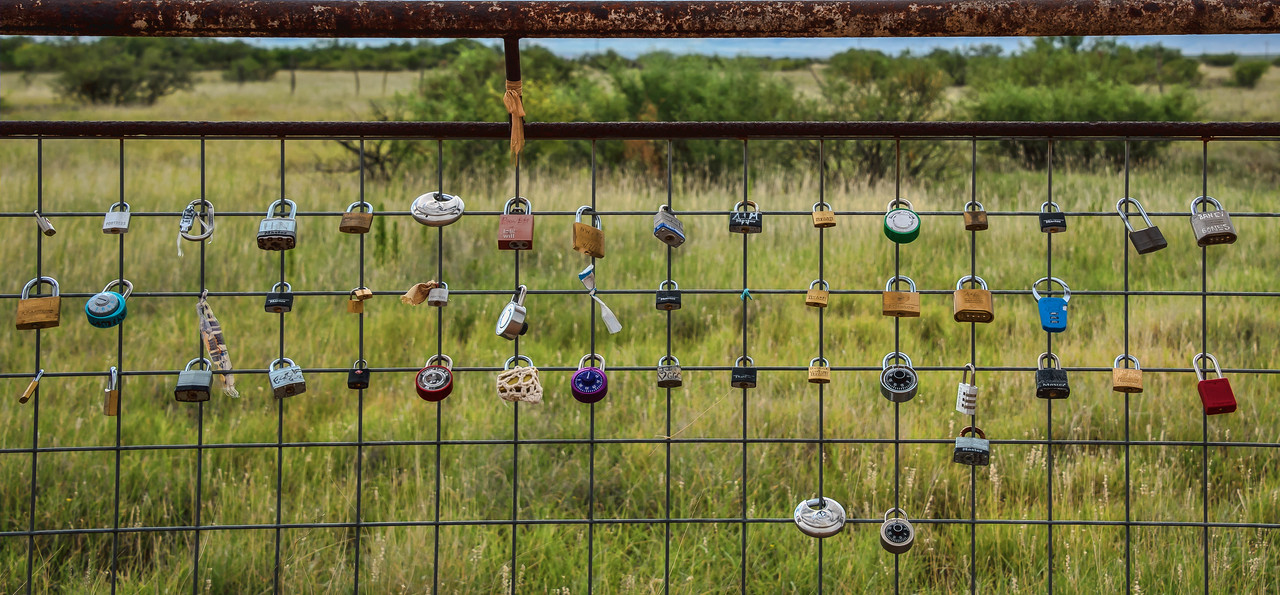 Love locks behind Prada Marfa
