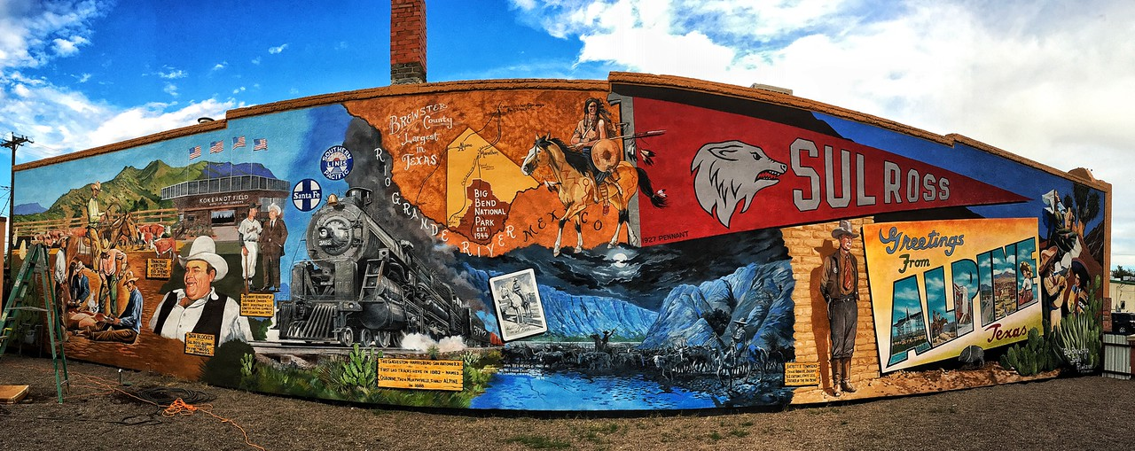 Mural, downtown Alpin