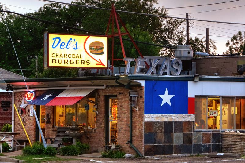 Del's Charcoal Burgers, Richardson, TX