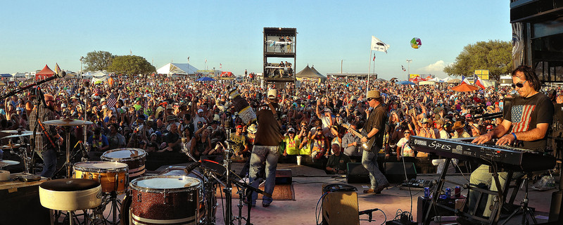 Brandon Rhyder plays to the largest LJT Festival crowd ever