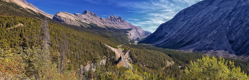 Icefields Parkway Valley overlook