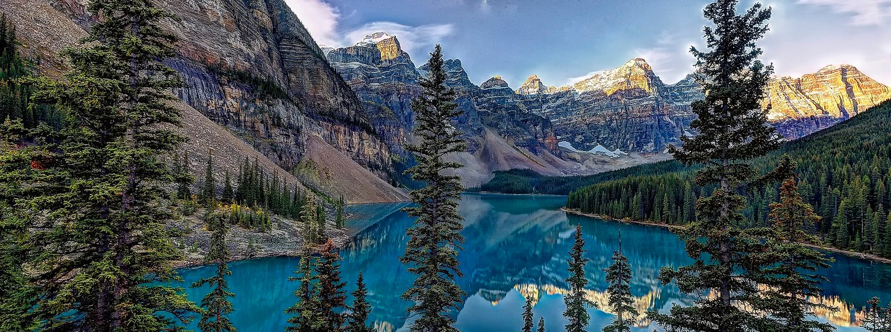 Sunrise at Lake Moraine, Banff National Park