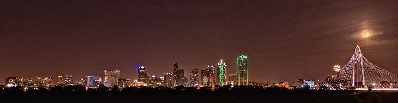 Super moon rising over downtown Dallas