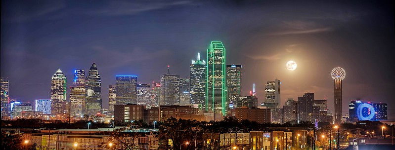 Super-moon rising over Dallas skyline