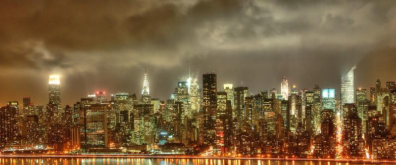Gotham-y Midtown Manhattan