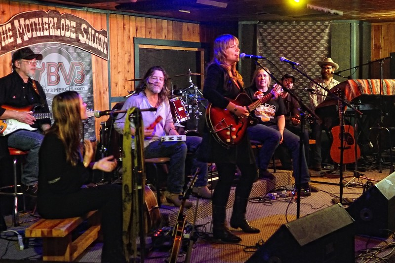 Brandy Zdan w/ the Red River Songwriters
