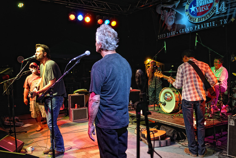 Tommy Alverson, Deryl Dodd, Amos Staggs, and Larry Joe Taylor on drums