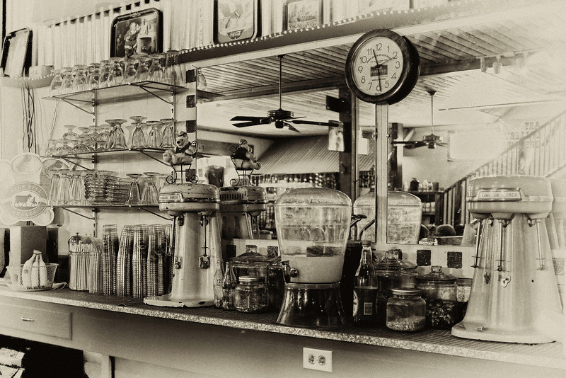 Fort Davis Drugstore Soda Fountain (antique)