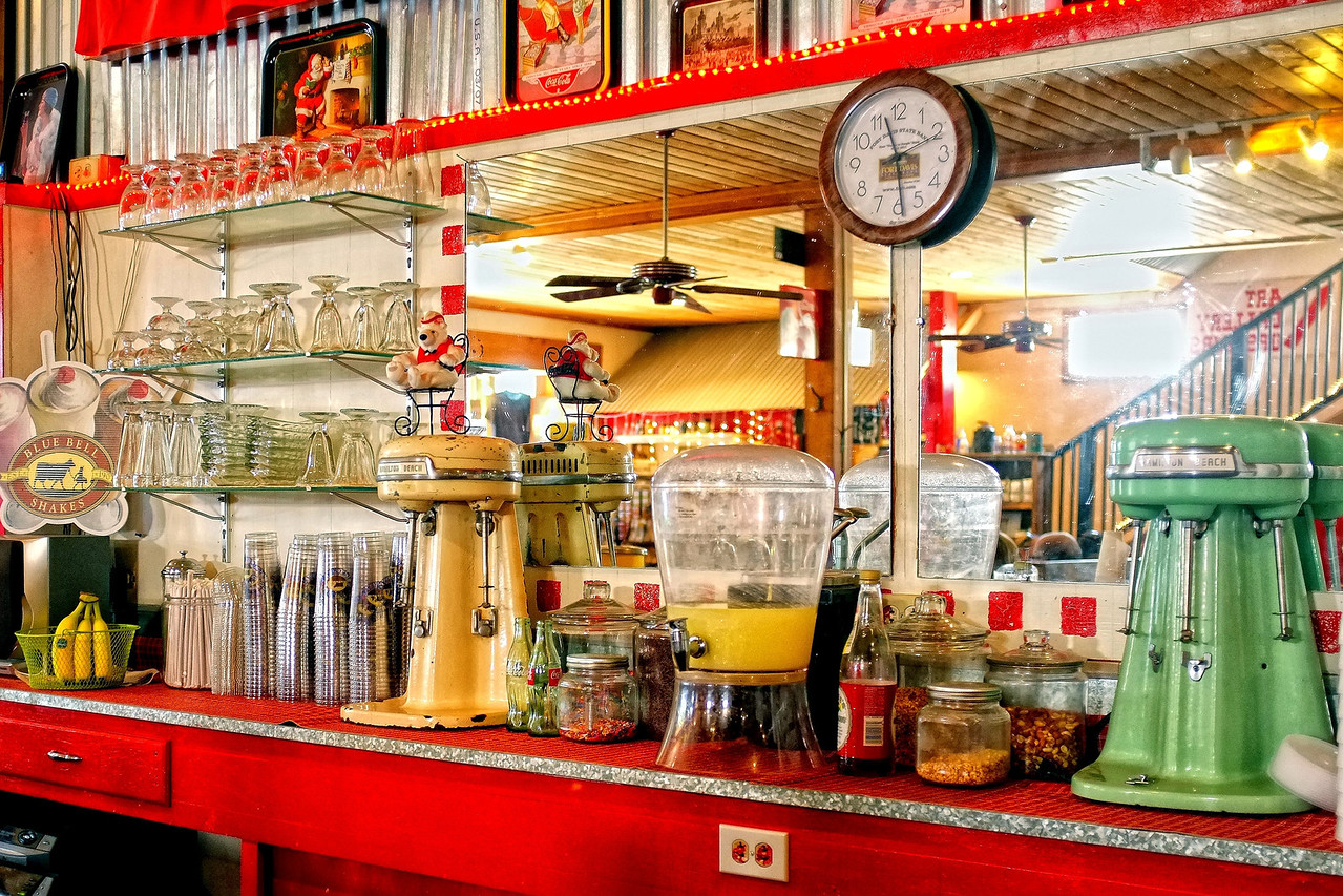 Fort Davis Drugstore soda fountain