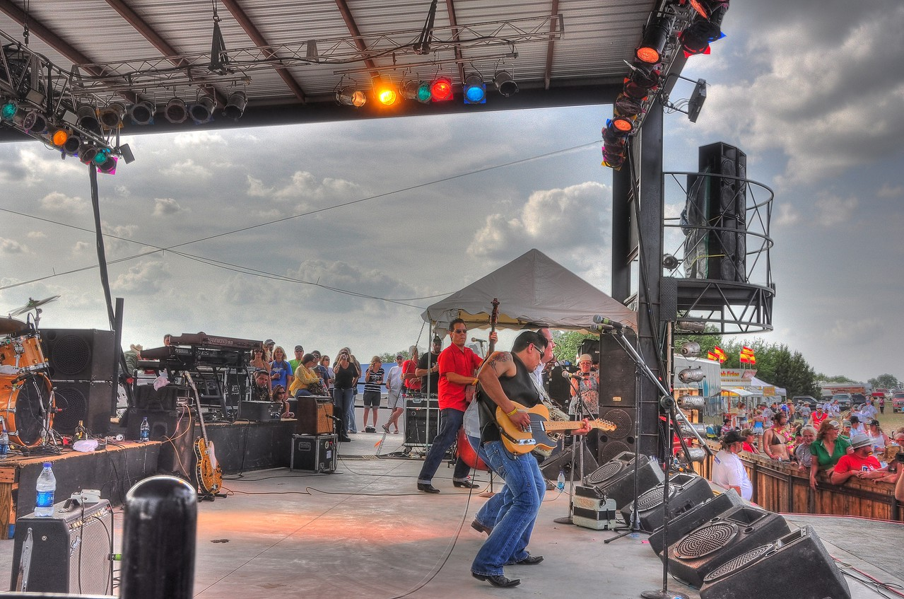 Tejas Brothers on the Main Stage, Larry Joe Taylor Festival 2009