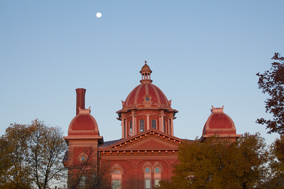 Old Hastings Courthouse at sunrise on 10.2.12
