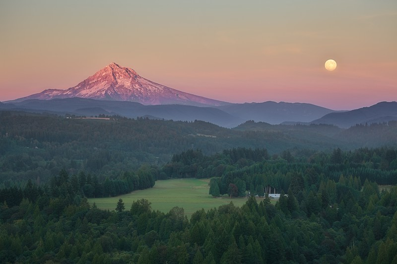Sturgeon Moon over Mt. Hood