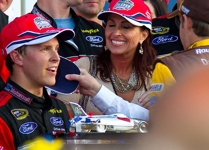David Ragan visits Trevor Bayne in Victory lane after Daytona 500 win