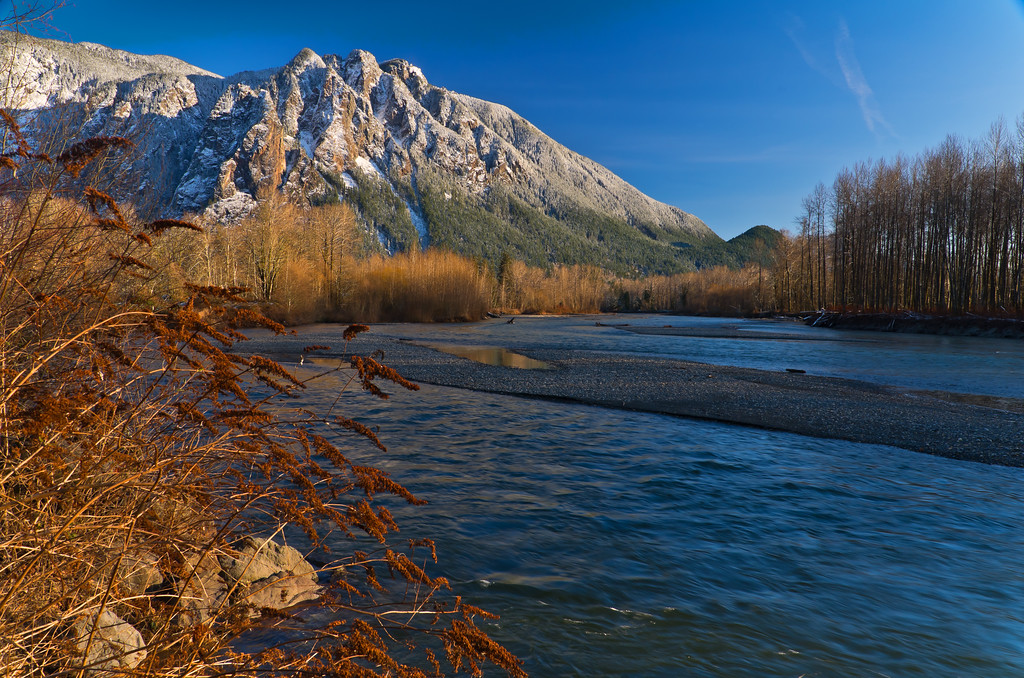 Mount Si & the Snoqualmie River