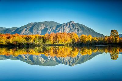 Borst Lake Mt Si Reflection Autumn 2017