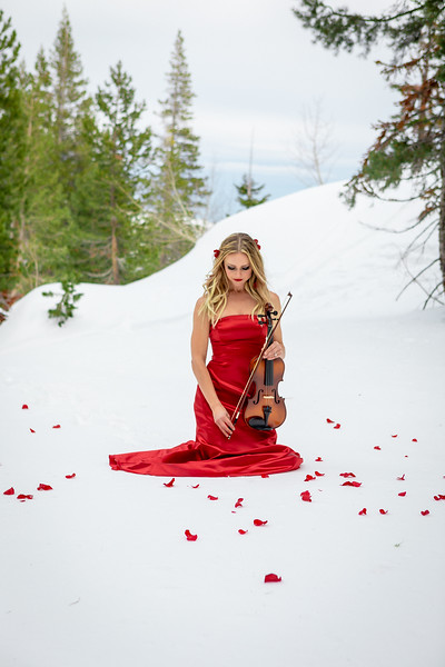 DAISY_ROSE_COBY_2021_SNOW_QUEEN_0078