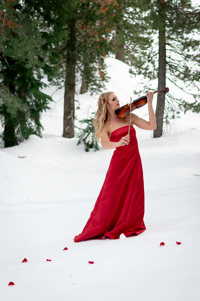 DAISY_ROSE_COBY_2021_SNOW_QUEEN_0048