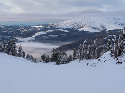 I love skiing while taking in views like this...
