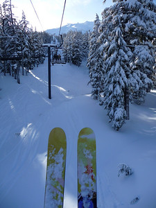 You've seen bare feet with tropical beach in backdrop? This is the skis with ski slope in backdrop version. :)