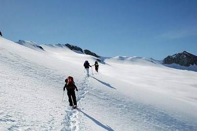 After crossing the head of Cloud Canyon, we start heading up again toward Copper Mine Pass, dead ahead.