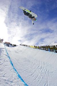 US Snowboarding's Tommy Czeschin in the halfpipe in Breckenridge, Colorado. at the Chevrolet US Snowboard Grand Prix. Dec. 2006